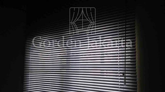 Jual Venetian Blinds Sharp Point, Onna, Shinichi Pesan Custom