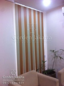 vertical blinds kombinasi bahan blackout