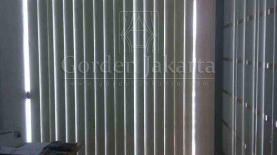 Contoh Vertical Blinds Blackout Warna Cream Di Tanah Abang