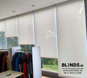 Contoh Roller Blinds Solar Screen Sp 2.600 - 2 White+white Q3576