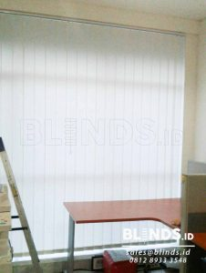 Jual Vertical Blinds Dimout Sp. 8000-2 Off White Q3653