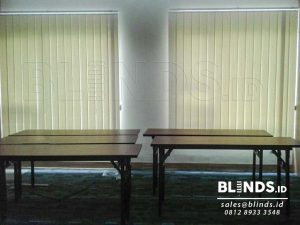 Vertical Blinds Semi Blackout Sp. 5444-1 Cream Di Blok M Q3620