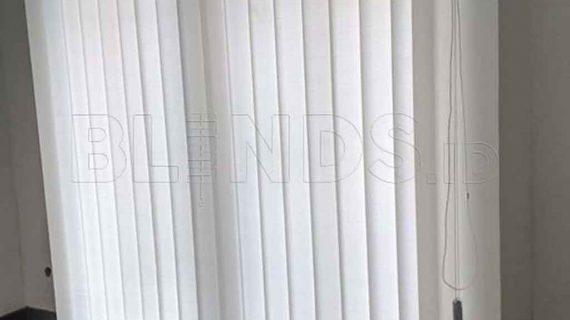 Produksi Tirai Untuk Kantor Model Vertical Di Fatmawati