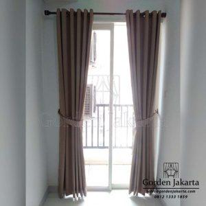Gorden jendela minimalis spain dengan rel rollet Q3761