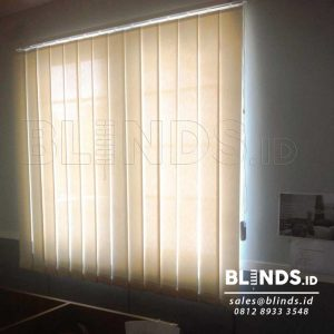 Vertical Blinds Solar Screen Sp.500-2 Off White Q3572