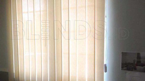 Kantor Nyaman Dengan Vertical Blinds Solar Screen Menteng