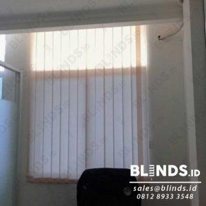 Contoh Vertical Blinds Bahan Dimout Sp. 8010-3 Beige Project Bekasi Q3922