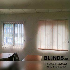 Contoh Vertical Blinds Bahan Dimout Sp.8010 -3 Beige Sharp Point di Kepala Gading Q3925
