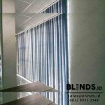 Contoh Vertical Blinds Blackout Navy Blue Di Kebon Nanas