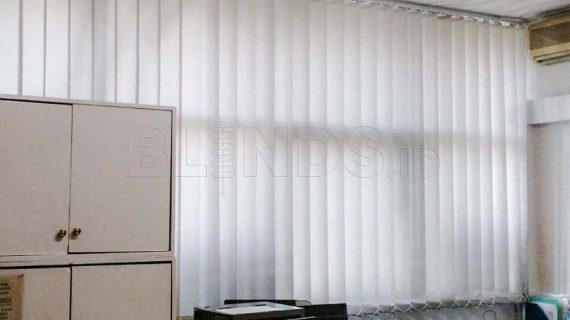 Vertical Blinds Dimout Grey Pasang Di Balai Pustaka Rawamangun