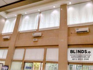 vertical blinds off white dimout di Juanda Jakarta Pusat id3500