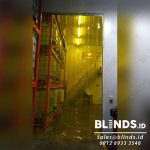 Pasang Strip Curtain PVC Kuning Di Jalan Raya Daan Mogot Batu Ceper