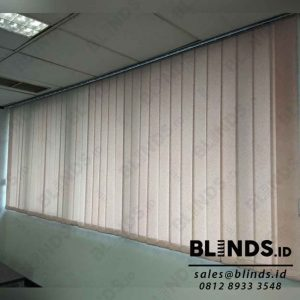 warna pink vertical blinds semi blackout 127mm sp.5448-11 id4098