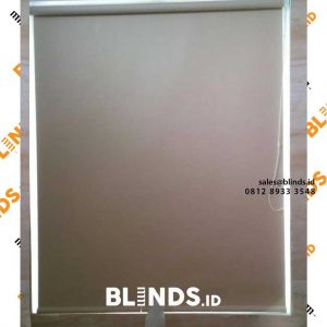 roller blinds bahan blackout warna cream sharp point project di pasar minggu id4153