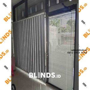 vertical blinds bahan blackout warna putih sp.200 di Tanah Merdeka Kampung Rambutan id4114