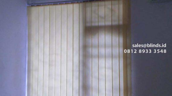 Gambar Vertical Blinds Dimout Yellow Project Kebon Nanas Cipinang Besar