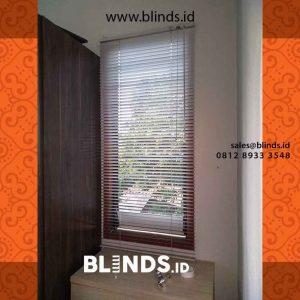 venetian blinds bahan aluminium putih slat 25mm project di Cipayung id4236