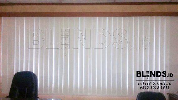 Tirai Vertical Blinds Blackout Di Komp Duta Mas Fatmawati