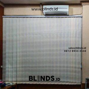 jual vertical blinds dimout warna beige di rawa gelam id4325
