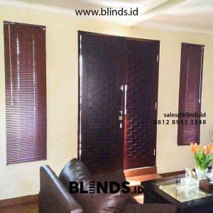 contoh venetian blinds deluxe slatting warna coklat klien di Petukangan id4306
