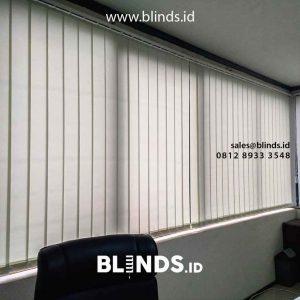 tirai vertical blinds bahan dimout warna ivory di Tebet id4200