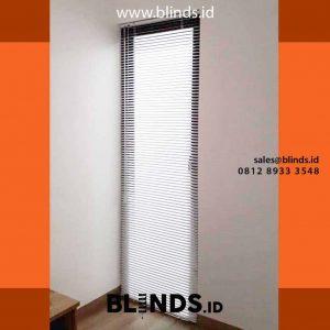 venetian blinds alumunium deluxe slat 25 mm di Jagakarsa id4243