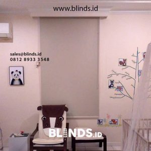 contoh tirai kamar anak menggulung blackout di Menteng id4349