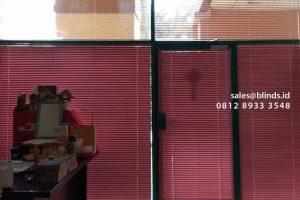 contoh venetian blinds pink deluxe slatting di Mangga Dua id4212