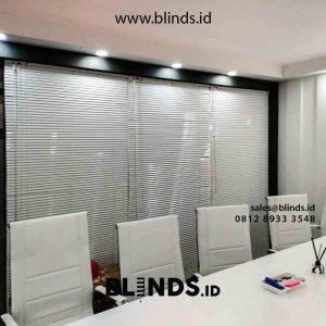 contoh horizontal blinds deluxe slatting di kemayoran id4221