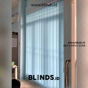 contoh vertical blinds bahan dimout blue custom di Bintaro id4381