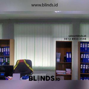 contoh vertical blinds bahan dimout warna hijau id4418