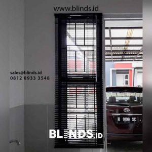 tirai venetian blinds bahan alumunium jendela kecil di BSD id4475