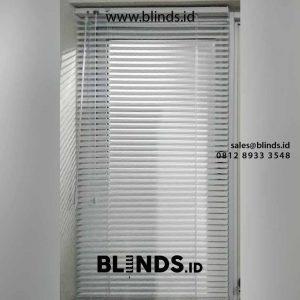 gambar venetian blinds putih slat 25mm di Cibubur id4231