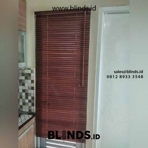 harga wooden blinds sharp point warna cherry di Kelapa Gading id4703