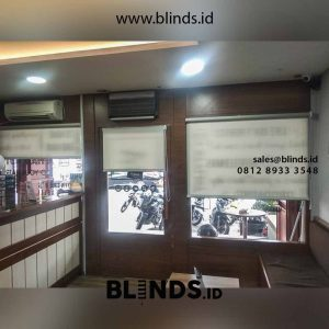 harga roller blinds superior dimout warna grey di Sunter id4569