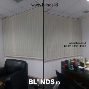 jual vertical blinds bahan dimout warna cream di Simatupang id4832
