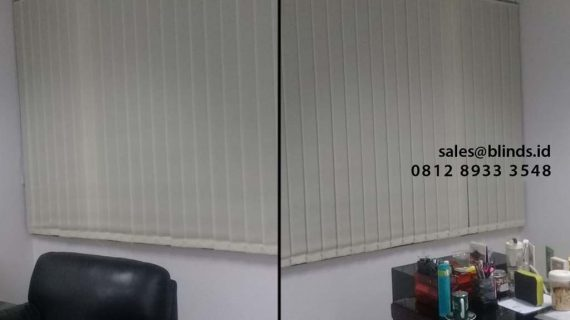 Jual Vertical Blinds Bahan Dimout Gedung Garden Center TB Simatupang