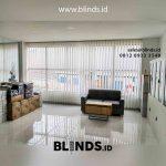 Vertical Blinds Bahan Semi Blackout Kawasan Industri Jababeka Cikarang