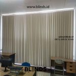 Vertical Blinds Bahan Blackout Pasang Di BPR Bank Intidana Kalideres Jakarta Barat