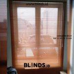 Hasil Pemasangan Venetian Blinds Coklat Di Carina Townhouse Rawa Buaya Jakarta Barat