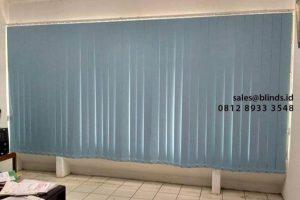 Vertical Blinds Blackout Untuk Jendela Kantor Bebas Panas Matahari ID4679