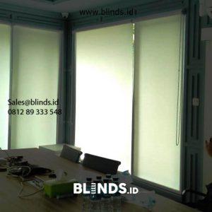 Jual Roller Blinds Dimout SP 606-1 Off white Project Gunung Kebayoran Baru Jakarta id5767
